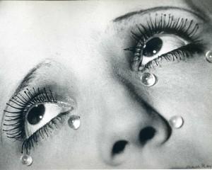 Dos de las imágenes más famosas de Man Ray.