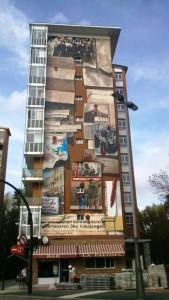 Mural de Zaramaga en recuerdo al 3 de marzo.